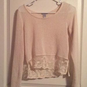 Screen long sleeve lace top